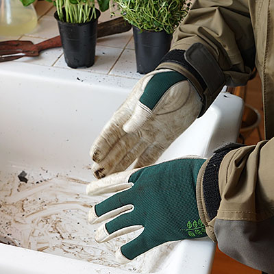 Handskar och skydd för trädgårdsarbete
